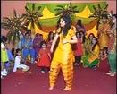 Cute Girl Dancing on Wedding ( http://ampmfunx.blogspot.com )