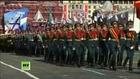 Russie: parade militaire sur la place Rouge pour fêter 1945